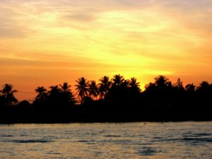 Spektakulärer Sonnenaufgang über dem Mekong