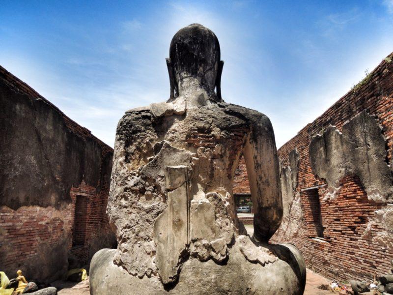 Ayutthaya - Wat Wora Chet Tha Ram. Ich mag das Bild und kann gar nicht genau sagen wieso. Und ich mag Ayutthaya.