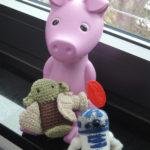 Yoda und R2D2 mit Schwein